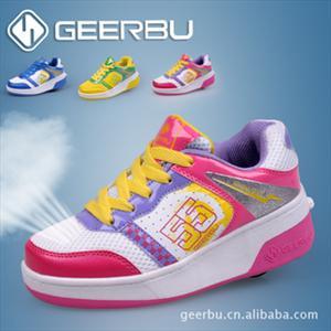 2012儿童新款 暴走鞋自动款 美国戈尔步 厂家 男女款 溜冰鞋