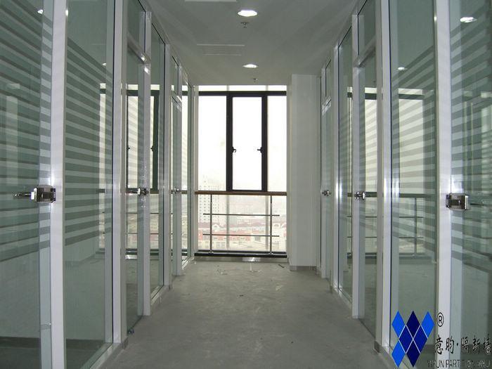 厦门意昀单层玻璃隔断供应商:上海意昀实业厦门分