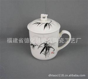供应瓷器将军杯 LOGO订制 手绘黑竹